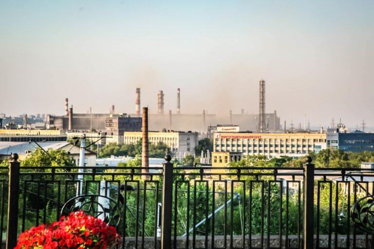 Жители Волгоградской области просят президента защитить их от вредных выбросов