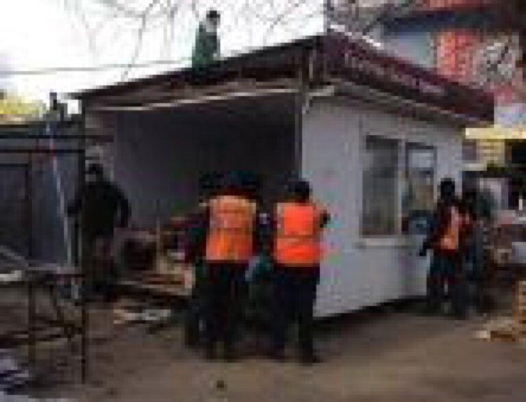 В Волгограде владельцы незаконных торговых точек самостоятельно демонтируют свои павильоны