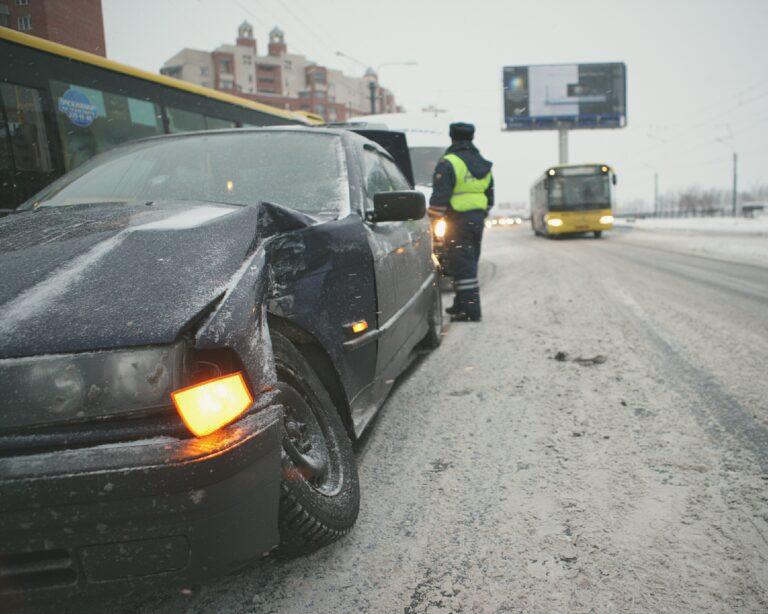 Водителей предупреждают о возникновении наледи на дорогах