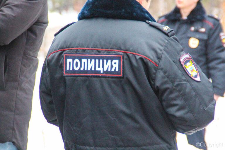 Подложившие наркотики мужу подруги  урюпинские полицейские идут под суд