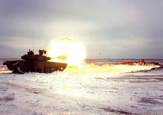 Волгоградские танкисты учились поддерживать наступление мотострелков