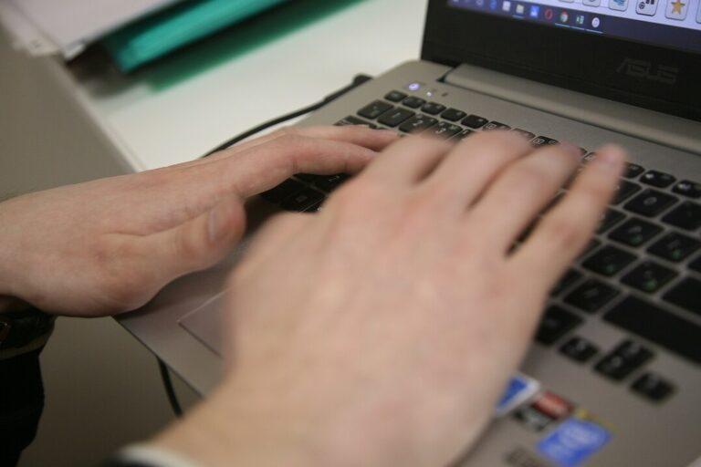 Сотрудник коллекторского агентства в Волгограде торговал персональными данными