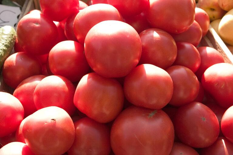 В Волгограде подорожали помидоры и мука