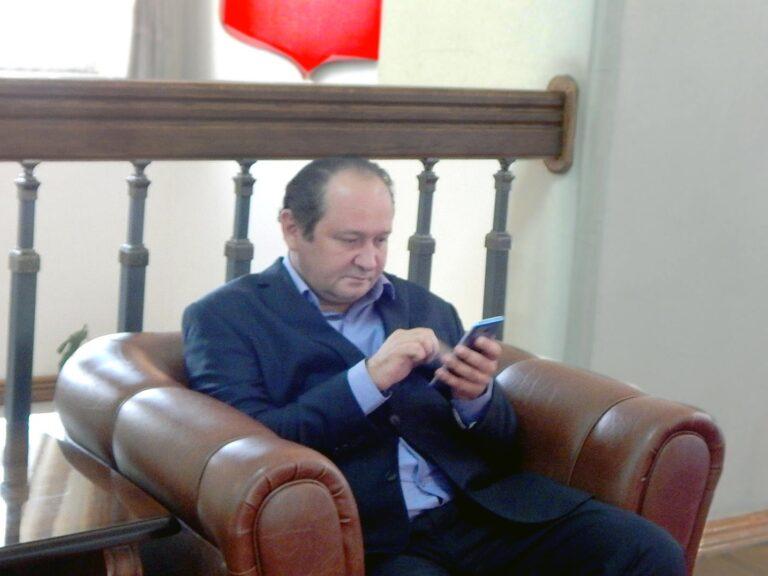 В Астрахани бывший кандидат в губернаторы остался под арестом за виртуальное унижение экс-мэра
