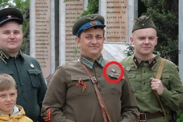 День победы обернулся клоунадой: депутат гордумы посетил праздник, нацепив орден Красной Звезды