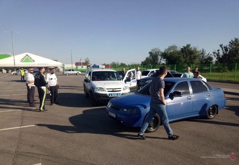 В Волжском участникам массового дрифта на парковке грозит арест и штрафы