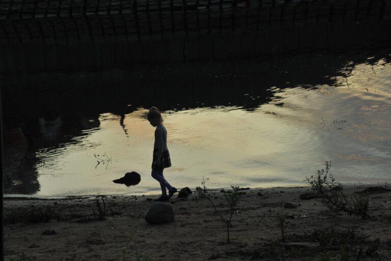 В Волге ищут тело утонувшего 8-летнего ребенка