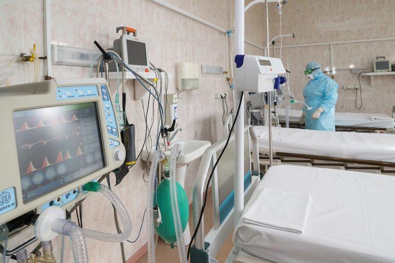 Для лечения COVID-пациентов в госпитали завезли новое оборудование