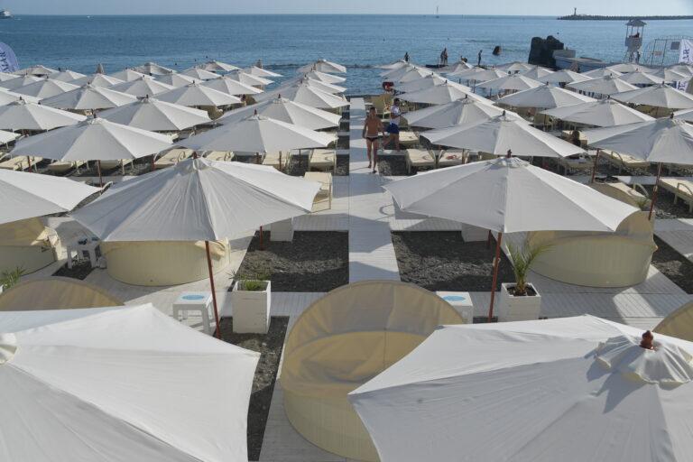 Без денег и без отдыха: волгоградский Роспотребнадзор судится с туроператорами