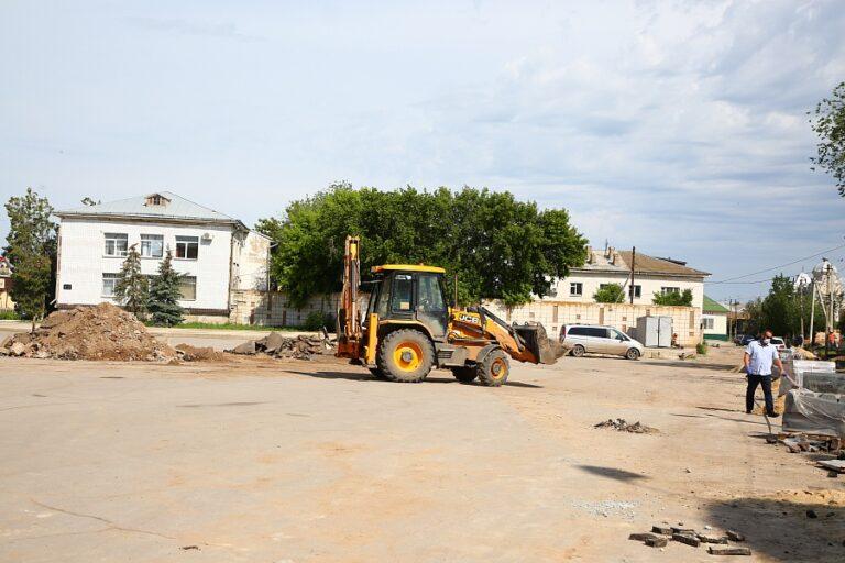 В Ленинском районе начали ремонт трассы, ведущей к границе с Астраханской областью