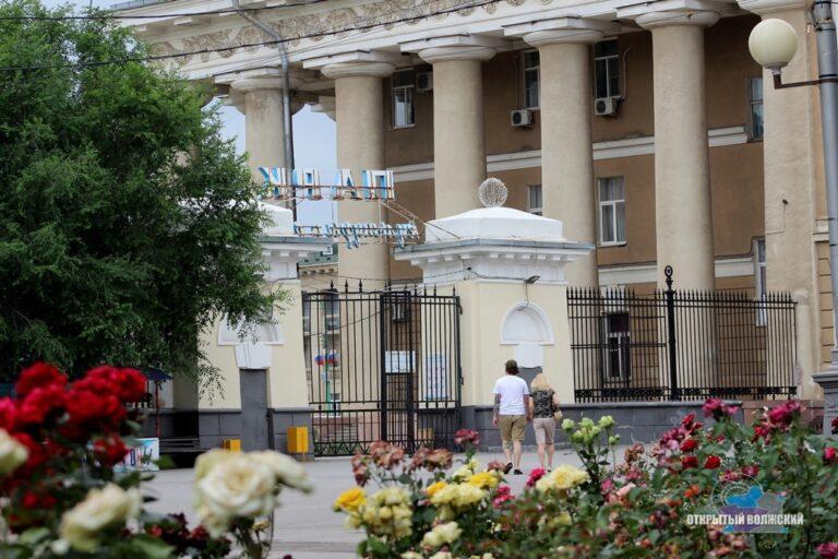 Парк в Волжском после снятия ограничений открылся обновленным