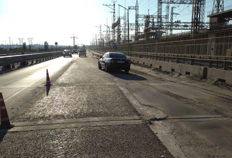 На Волжской ГЭС открыли движение по средней полосе