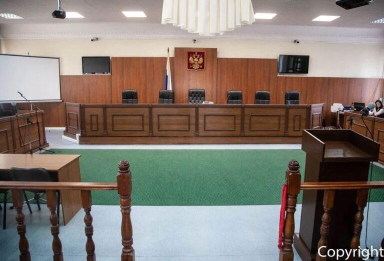 Бывший астраханский прокурор по надзору за соблюдением законов в исправительных учреждениях обвиняется в превышении должностных полномочий