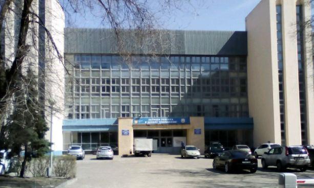 В Волгоградской академии физкультуры на месяц закрыли легкоатлетический манеж
