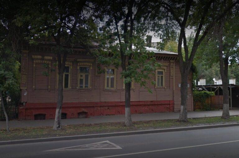 Губернатора Самарской области просят сохранить «дом с часами»