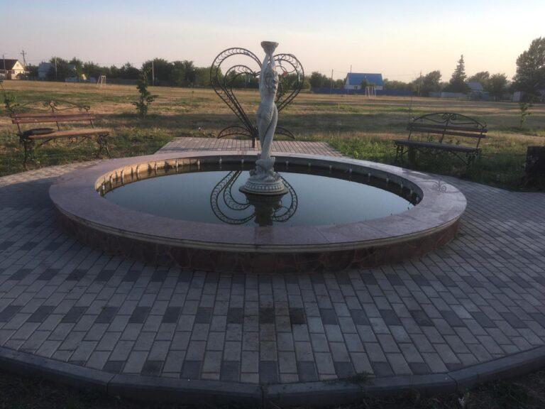 Под Волгоградом 9-летнюю девочку убило током в городском фонтане
