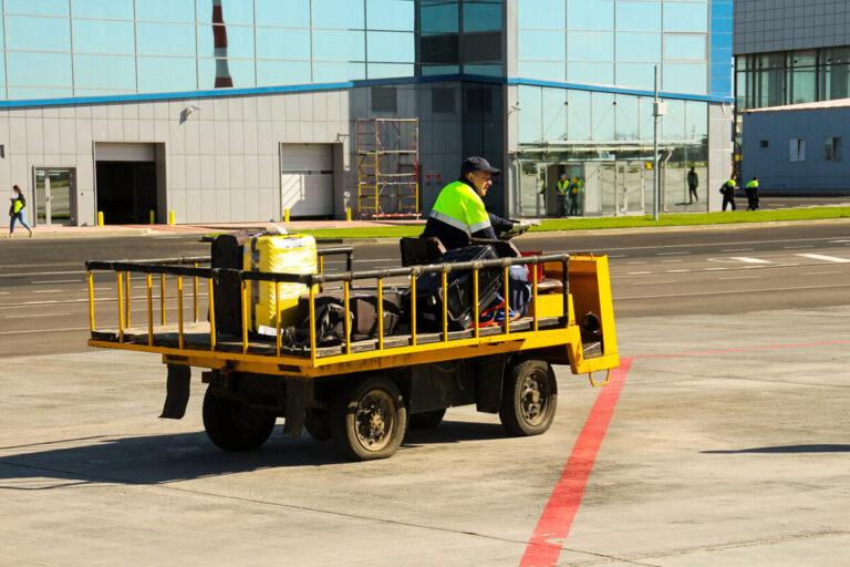 Рейс из Пулково в Волгоград задержали из-за сообщения о минировании