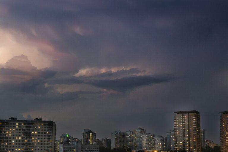 Последний летний месяц в Волгограде начнется с грозы и дождя