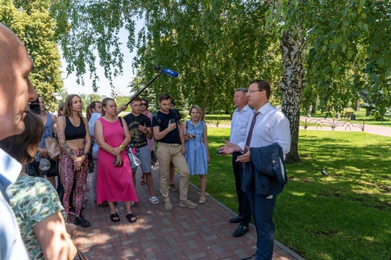 Самарский губернатор Дмитрий Азаров вышел к спортсменам и владельцам фитнес-залов