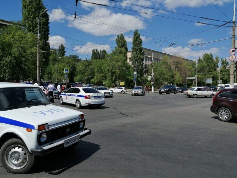 В Волгограде перекрыли Первую Продольную из-за взрыва на заправке