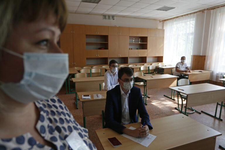 В школах Самары усилили пропускной режим