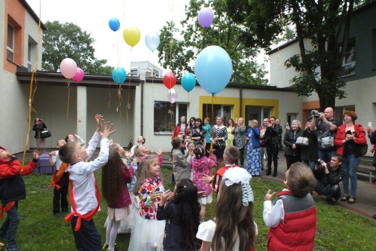 С 1 сентября в Волгоградской области снова заработают детские сады и секции
