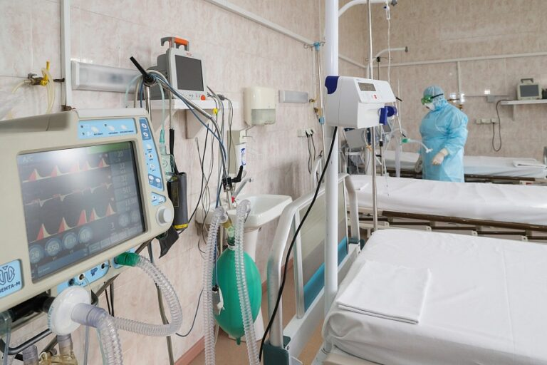 Оперштаб сообщил о росте летальных случаев среди пациентов с COVID-19