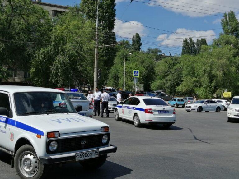 На второй день после взрыва на заправке в Волгограде не убрали оцепление