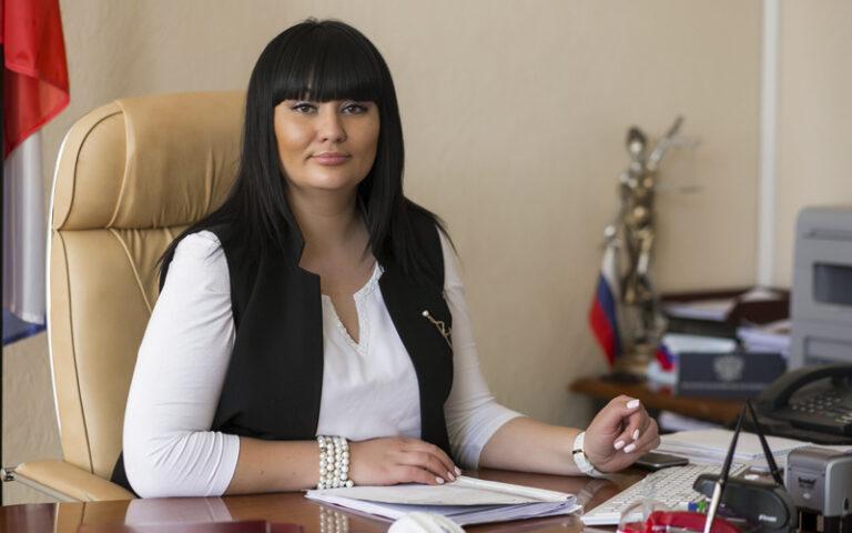 Источник в правоохранительных органах подтвердил задержание  председателя Дзержинского райсуда Волгограда Юлии Добрыниной