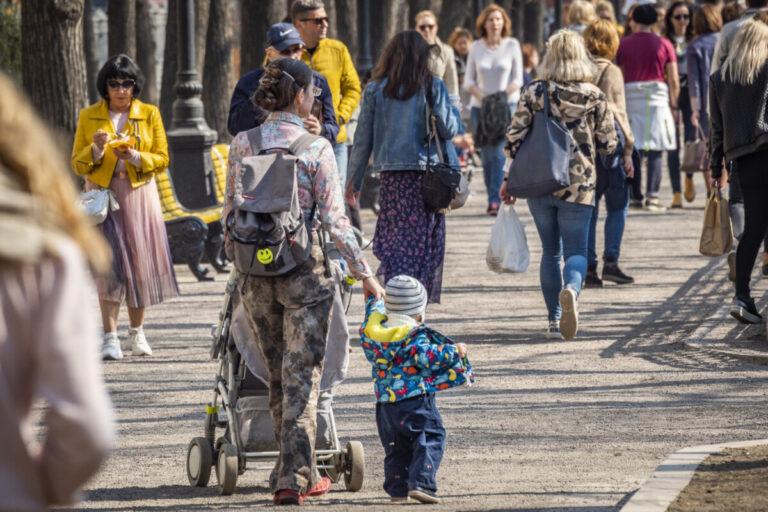 67 тысячам волгоградских семей назначили дополнительные пособия