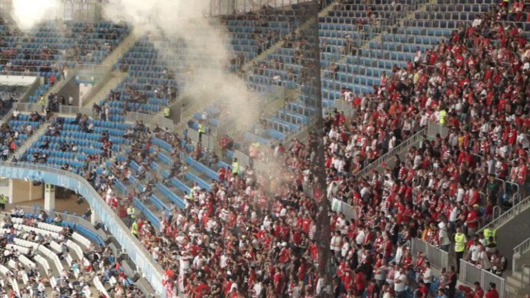 Москвич бросил дымовую шашку во время мачта «Ротор» – «Спартак»