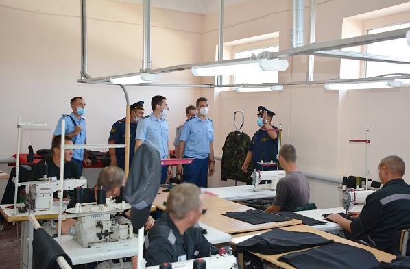 Главный прокурор области нашел нарушения в волжской колонии