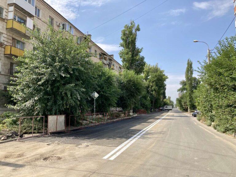 В Волгограде открыли движение транспорта по улице Козловской