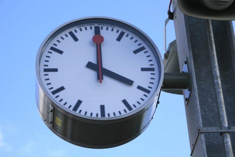 Сторонники местного времени списали беды Волгограда на перевод часов