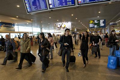 В России для приезжающих из-за границы граждан ввели новые правила