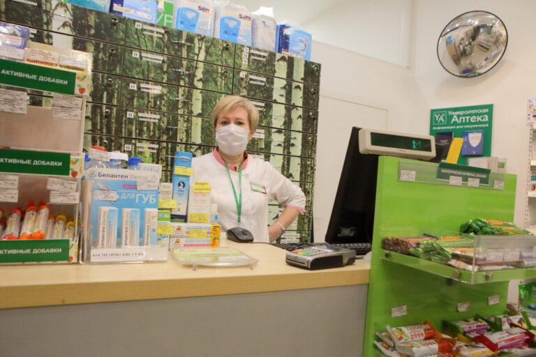 Волгоградцам рассказали, когда и по какой цене в аптеках региона появится лекарство от COVID-19
