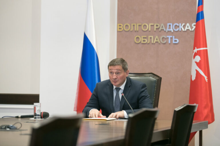 В Волгоградской области обсуждают увеличение коечного фонда для пациентов с коронавирусом