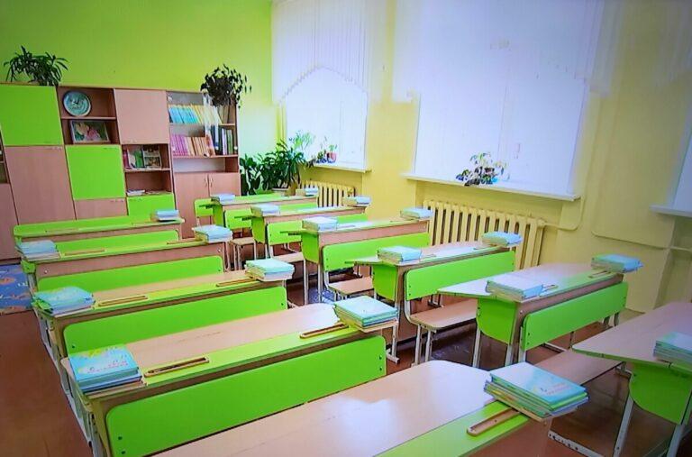 Волгоградский Роспотребнадзор рассказал о требованиях к организации рабочего места ученика в классе