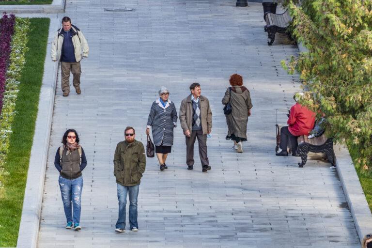 Стало известно, в скверах и парках по каким адресам будет проходить благоустройство в Волгограде