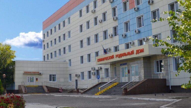 Астраханка родила в салоне такси