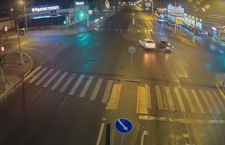 Нетрезвый водитель «Опеля» спровоцировал ДТП в Центральном районе Волгограда