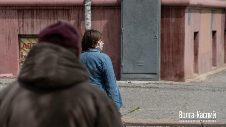 Как заставить людей носить маски, рассказали в Госдуме
