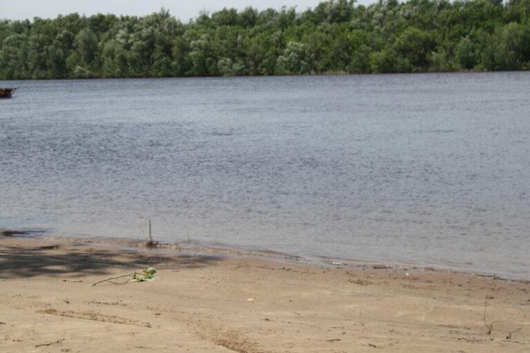 В Астрахани на набережной Волги утонул мужчина