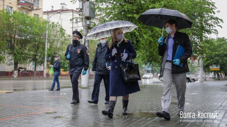За выходные в  Волгоградской области патрули поймали рекордное количество нарушителей масочного режима