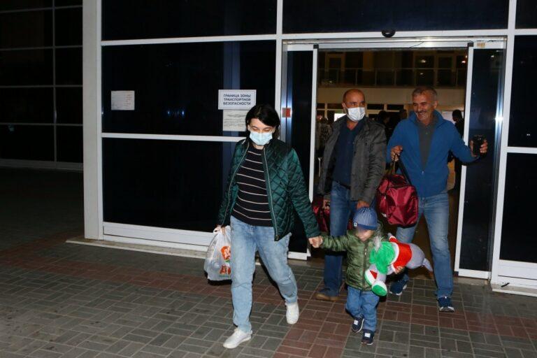 Из Сирии вернули оставшегося без родителей маленького астраханца