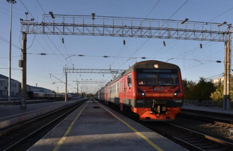 В Астрахани запустят новый рельсовый автобус и снесут гаражи