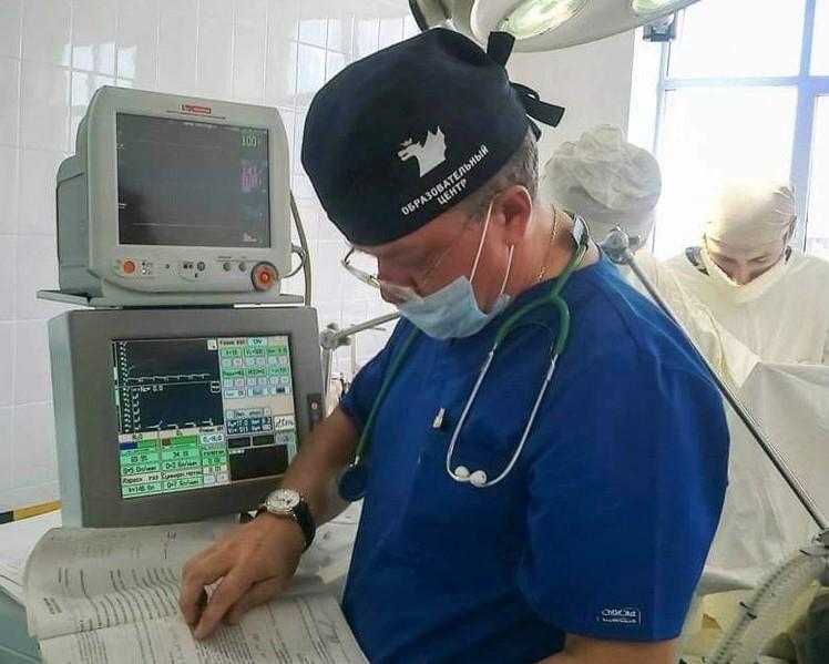Астраханский врач спас жизнь волгоградцу, которому в отделении банка проломили череп
