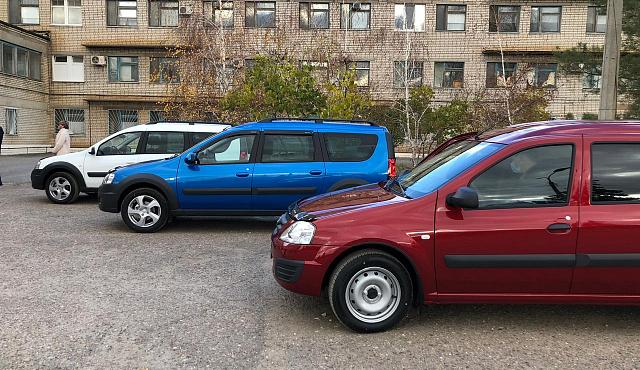 ЦРБ Светлоярского района передали три новых «Лады»