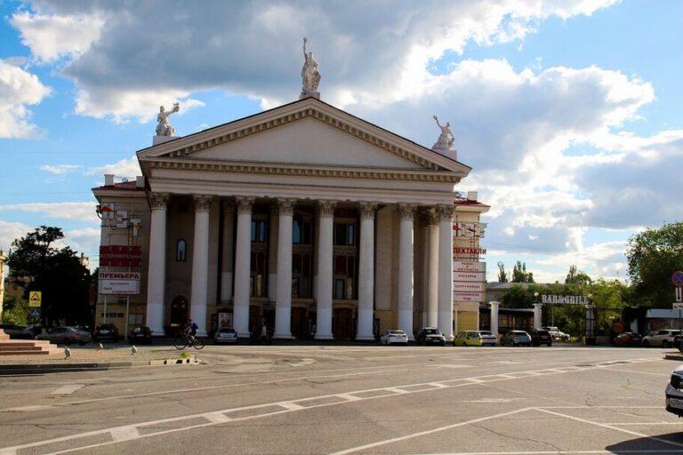 В Комсомольском саду Волгограда планируют открыть театральный сквер