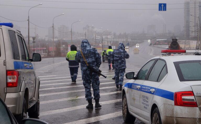 В Волгограде до конца недели проходят массовые спецрейды с участием ГИБДД и ОМОНа